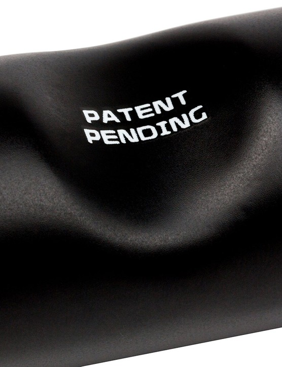 According to Pacenti, the PDent 'dimple' allows the bar and steerer to overlap each other while still affording some rotational freedom to fine-tune the fit