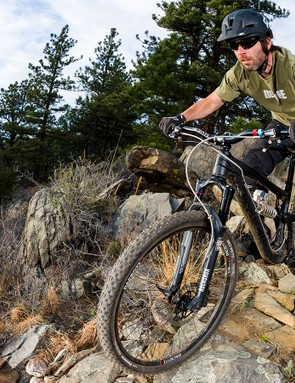 Mountain bike frame geometry has been trending toward longer top tubes, slacker head tube angles, and shorter stems. Pacenti's new PDent cockpit concept now might allow frame designers to push that idea even further still