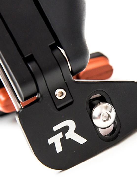 Twist the grub screw on each brake arm to set pad width