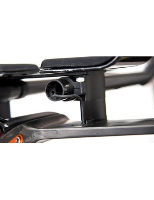 Di2 cabling exits the extensions and clips into the spacers before exiting the stem