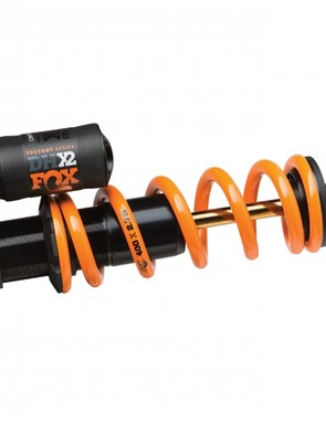 The DHX2 uses the same adjustment layout as the Float X2 in a coil-sprung version