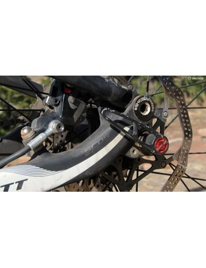 Scott doesn't just use dropouts. Its bikes are equipped with Scott Carbon Dropout Systems