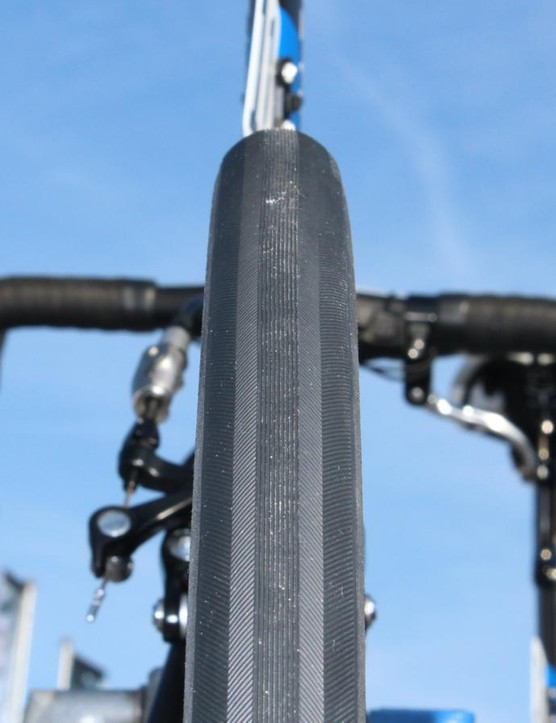 Giant-Alpecin had 30mm tubulars with clincher Vittora Pavé treads glued on them for their race bikes