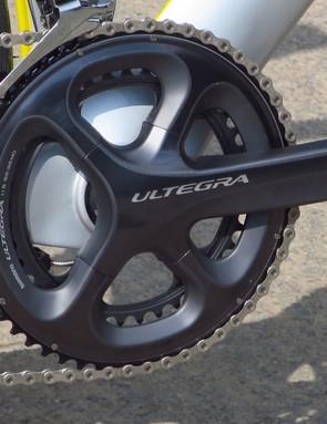 Shimano's unbeatable Ultegra 6800 chainset slots into the PF30 BB via adaptor bearings
