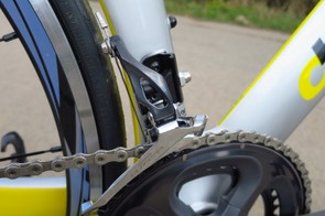 Front shifting is worry-free thanks to the Ultegra chain, chainrings and derailleur