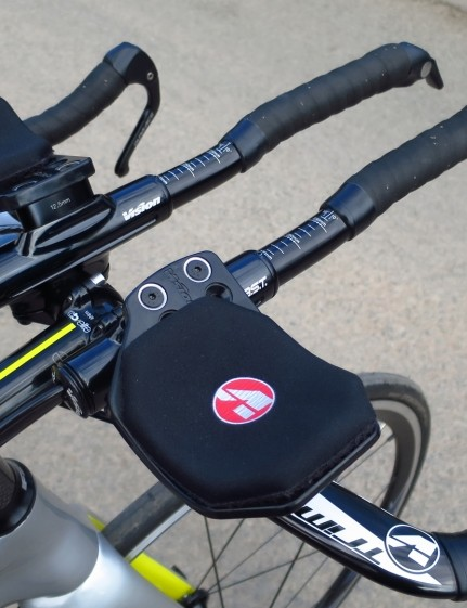 The alloy Vision TriMax bars have plush pads, but riser extensions would be nice