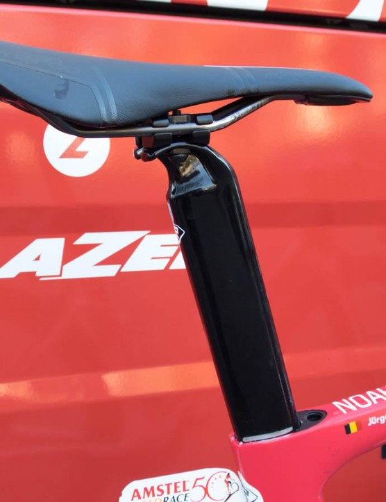 Unlike the Noah FAST, the SL has a conventional aero seatpost