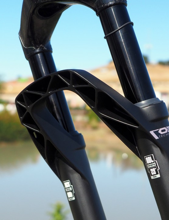 DT Swiss's latest cast magnesium lower legs feature stout arches with very deep webbed trusses. It certainly looks like a stiff structure