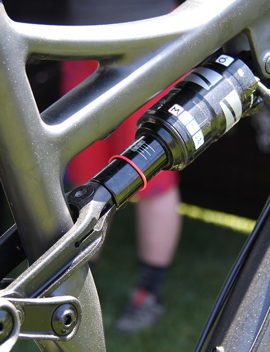 The rear suspension supplies 120mm of travel via the same clevis link arrangement as Salsa's 29er trail bike, the Horsethief