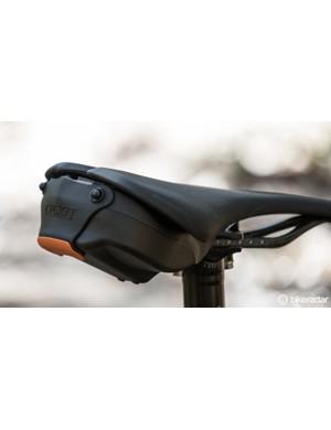 The Cyckit Aeroclam is a tidy alternative to a canvas saddle bag