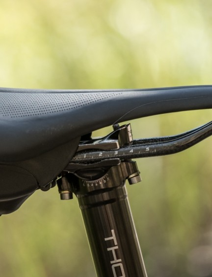Mounting on seat rails, the Aeroclam does not contact your bike or body