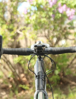 The handlebar kicks out dramatically, as is the trend with gravel bikes. The bend tips the hoods, too, and flares out the shifters. I'm not really a fan