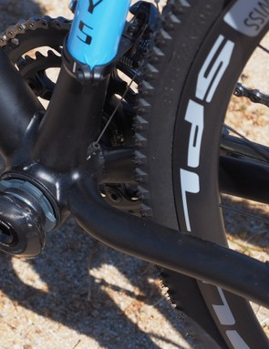 The bottom end of the new Turner Cyclosys features a PF30 bottom bracket shell, no chainstay bridge on which mud can collect, and rather interesting routing for the internally run front derailleur line