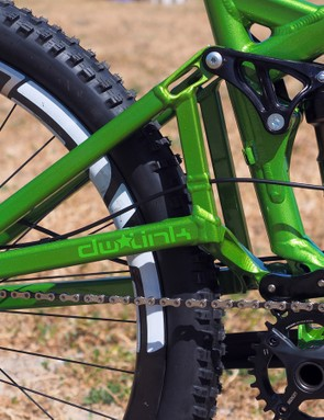 As before, the refreshed Turner Burner offers 140mm of wheel travel courtesy of Dave Weagle's dw-link pivot design