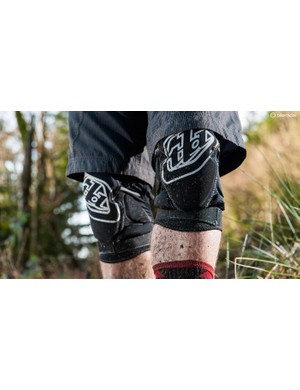 Modern kneepads combine light weight and comfort with decent protection levels