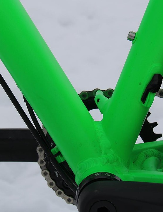 There's also a port on the seat tube for an internally-routed dropper seatpost
