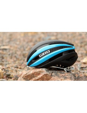 Giro's Synthe is a well-rounded road helmet with real aero benefits, something that BikeRadar's James Huang loved greatly and awarded the helmet a perfect five stars for