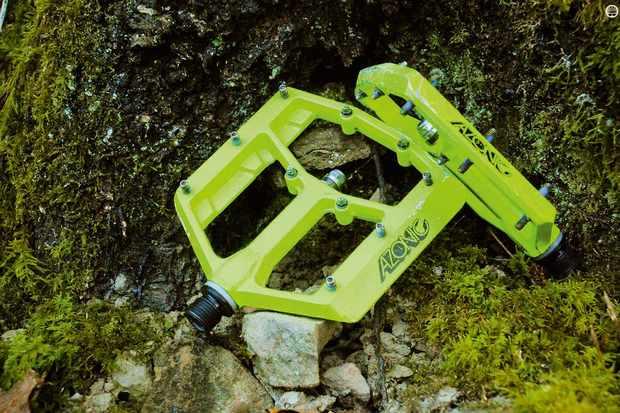 Azonic Bigfoot MTB pedals