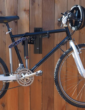 Rear-suspended mountain bike frames are hardly a new concept. In fact, this Skinner Descender harkens back to 1982 with a whopping six inches of travel using a motocross-based swingarm suspension design
