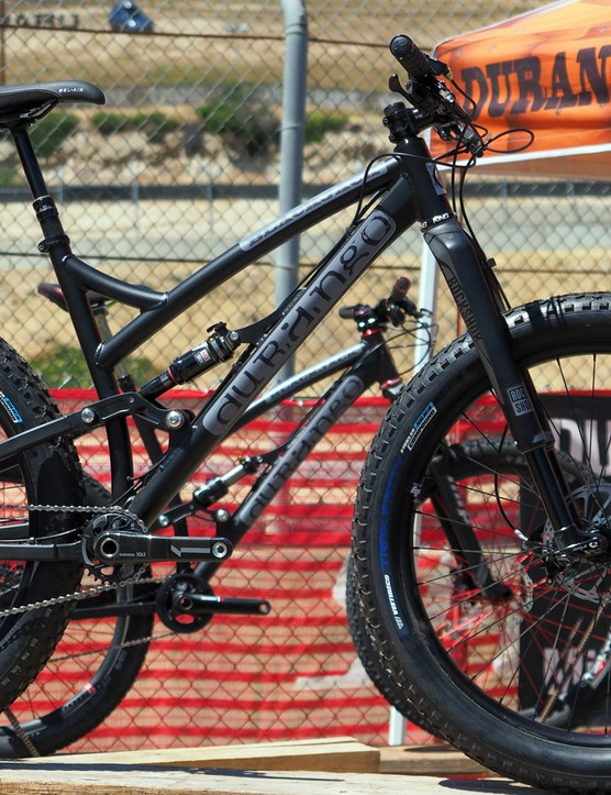 The same Durango Blackjack frame that works with 29 x 2.3in trail tyres can also fit 27.5x3.25in plus-sized ones
