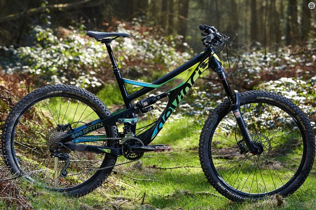 Devinci's Spartan Carbon XP boasts a stiff, lifetime warrantied slack-and-low frame