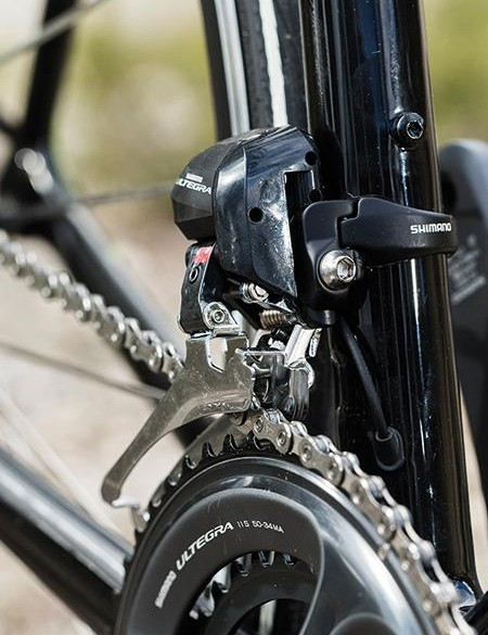The compact Ultegra chainset is paired with an 11-28 Shimano 105 cassette