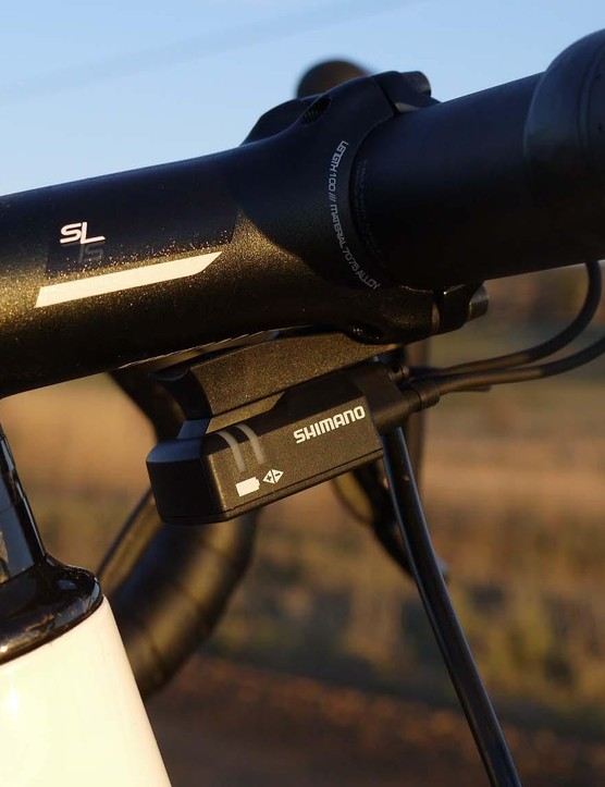 The Pro SL stem has a built-in Di2 junction box mount resulting in a clean look