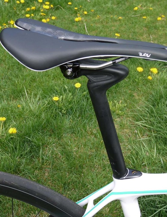 Specialized's 'cobble gobbler' CG-R seat post helps reduce bumps and vibrations, creating a smooth ride