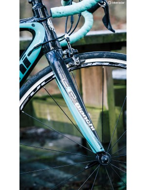 Bianchi's B4P fork features a tapered 1 1/2-1 1/8in steerer and contributes to the bike's accurate handling
