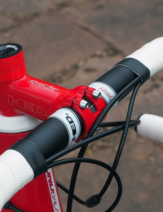 Diamondback chose to forego the minimal aero benefit of an integrated stem in exchange for a standard option. The matched red seems like overkill, though