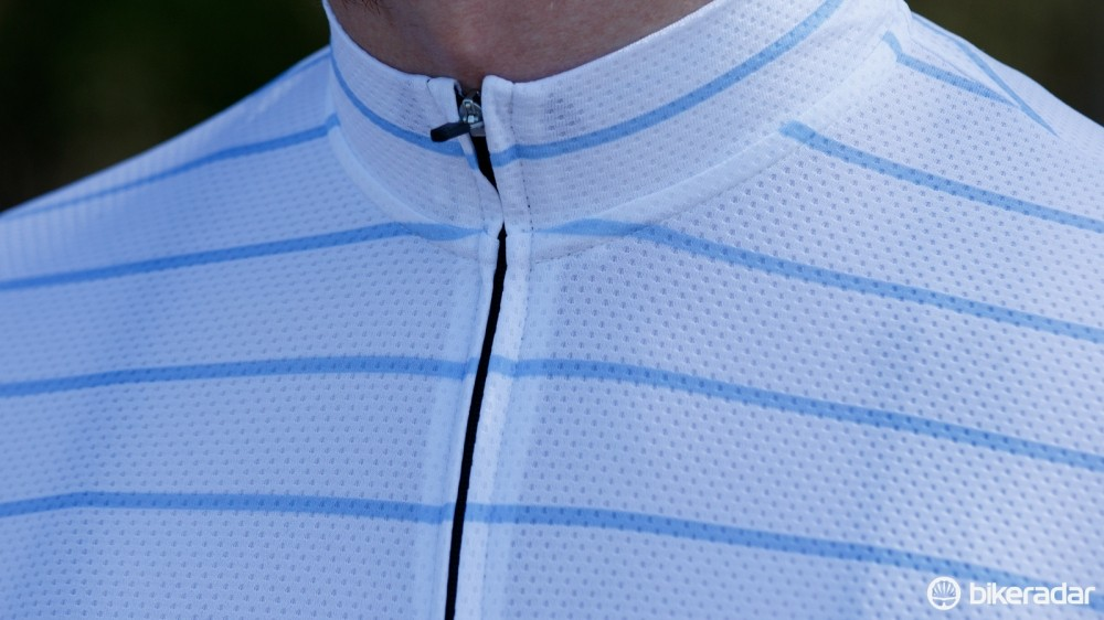 We found the Full Gas Aero's neck to be too tight, making it uncomfortable to zip the jersey all the way up