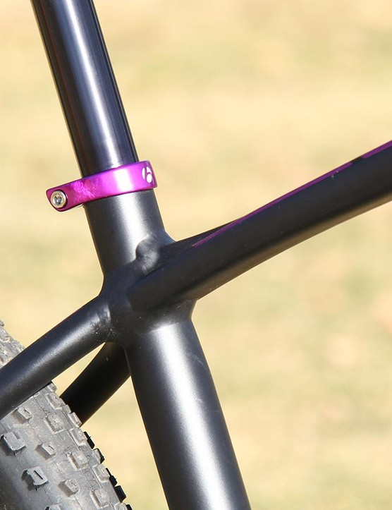 The alloy frame is heavily shaped to balance stiffness and comfort