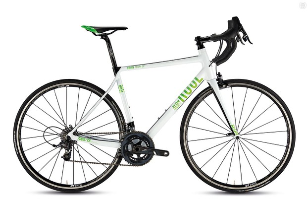Rose's Xeon Team GF-4400 Hydro road bike is built around a beautifully finished frame