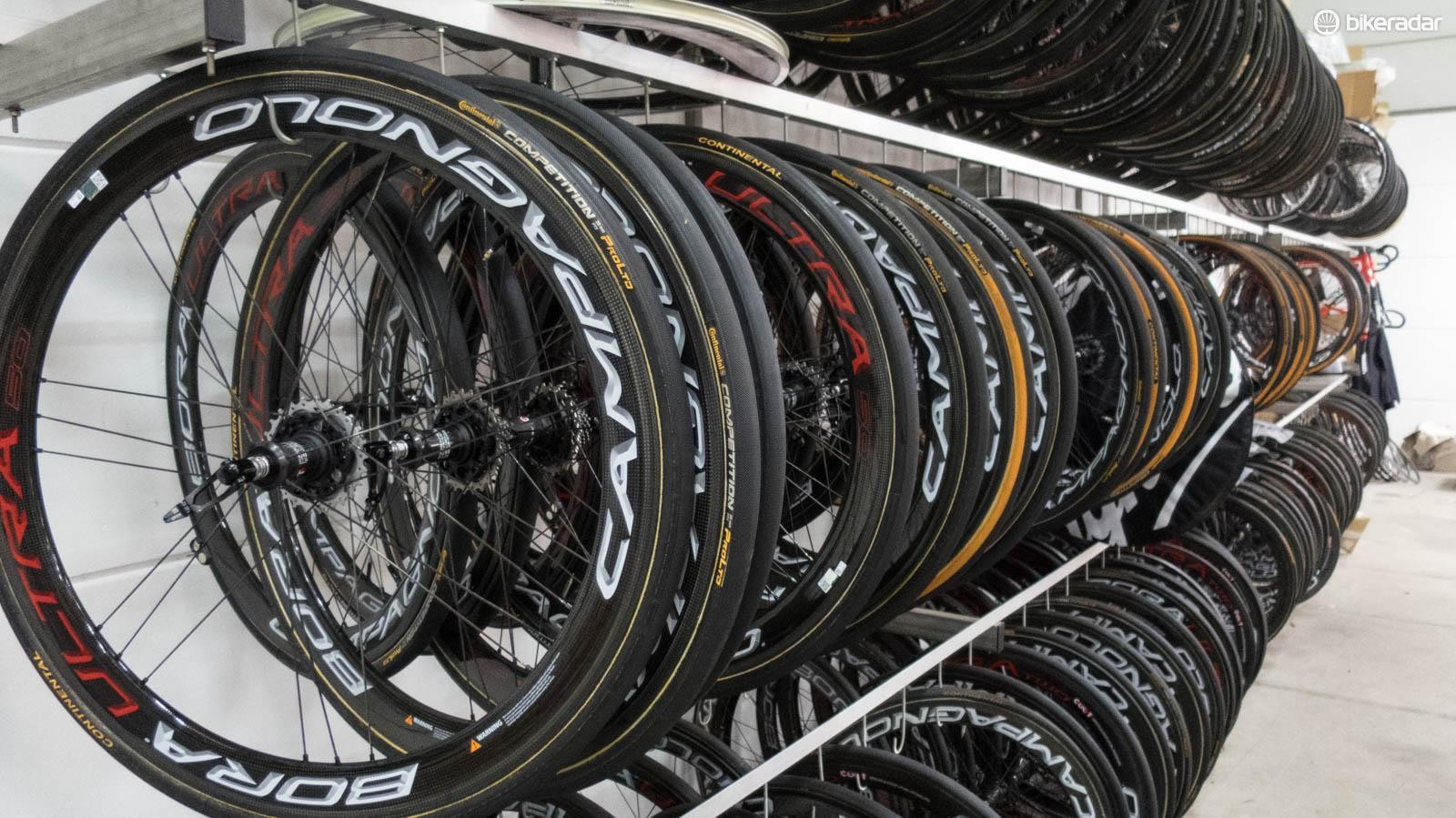 With so many road wheel choices on the market, often even within the same brand, where do you begin? Our buyer's guide is here to help