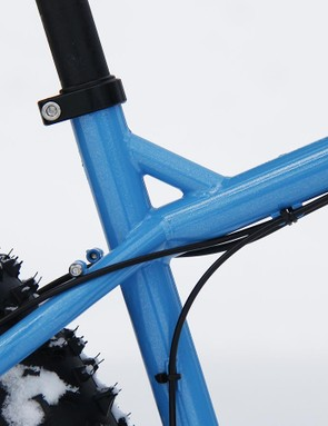 A top tube brace allows for better standover — very important when plowing through snow