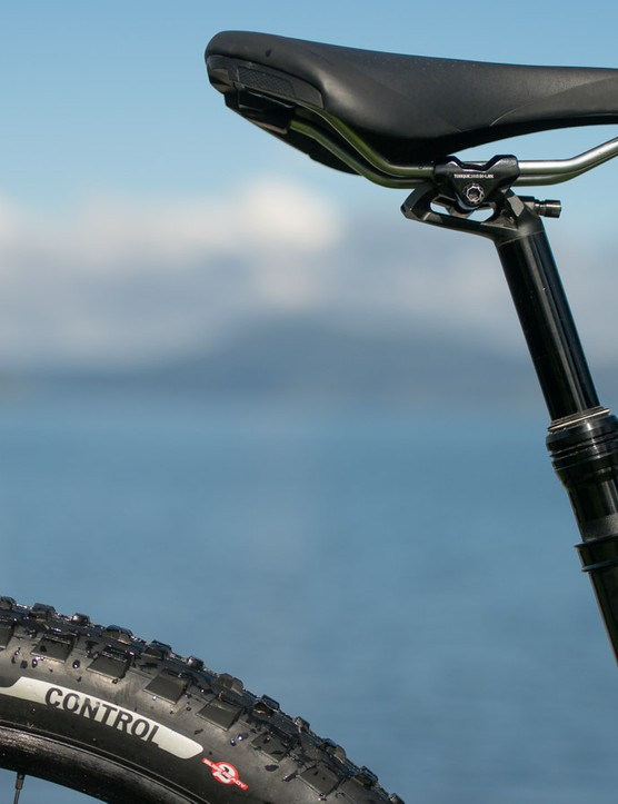 The Command Post IRcc comes with all models of the Rhyme (75mm for XS and S and 100mm for M frames). It has several more points of engagement than older designs