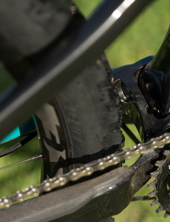Chain drops aren't common on 1x11 drivetrains, but Specialized has given a chain guide for absolute security and for zero chance of needing to get your hands greasy. There's an option to run a front derailleur if you wish too