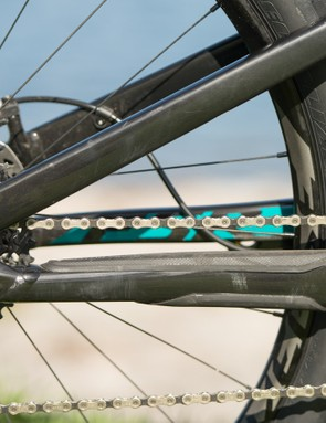 The SRAM X1 drivetrain, with custom SRAM carbon cranks, never missed a beat… even in super sloppy mud