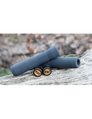 ESI Fit XC brings an ergonomic shape to silicone foam grips