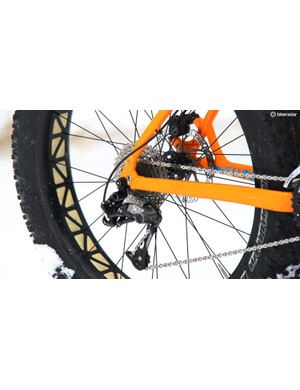 The SRAM X7 2x10 drivetrain is dependable, if not the lightest option available