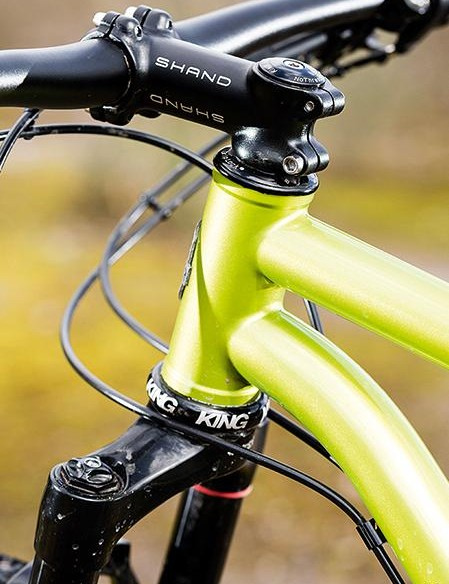 A 44mm head tube takes all fork standards; there's also routing for Stealth dropper posts, plus bolt-on guides under the down tube to keep things neat
