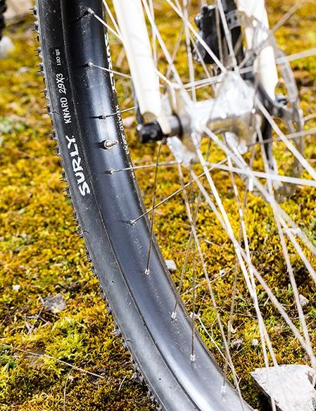 The short 'n' steep frame means that clipping a toe with the 3in Surly Knard up front is a possibility