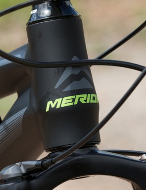 The 7.500's 'TFS' frame features a more basic straight steerer head tube to cut costs. This will limit fork upgrades if you decide to go down that route
