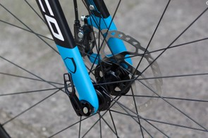 The beefy 15mm maxle and 160mm disc rotor are a nod to Norco's mountain bike heritage