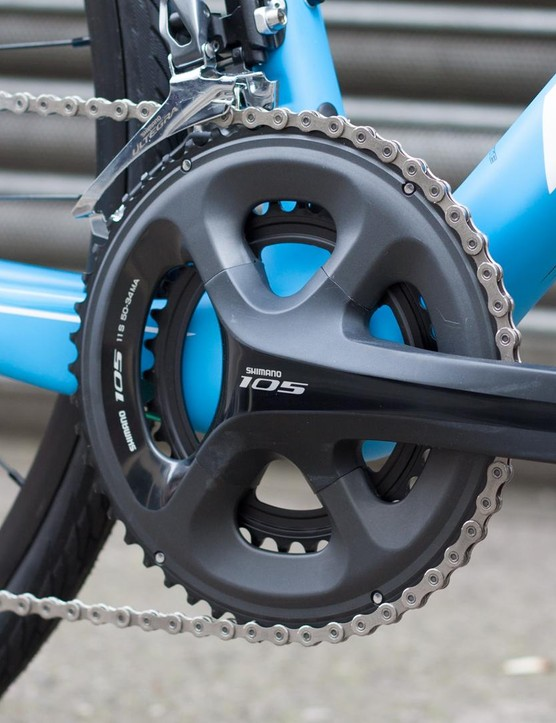The 50/34t Shimano 105 chainset looks great and we know it performs well