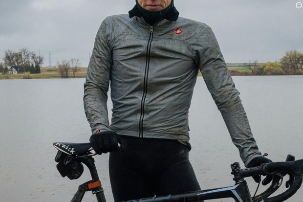 The Castelli Tempesta Race Jacket is an excellent rain shell, with breathable and waterproof eVent fabric