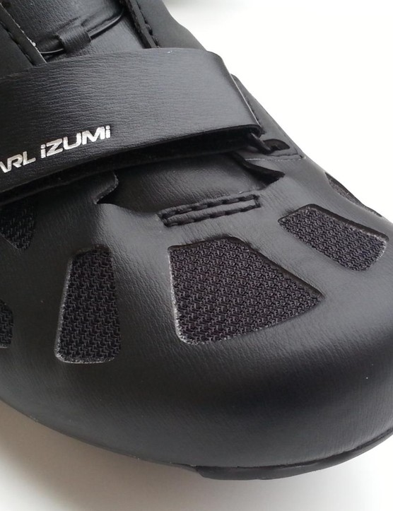 The front strap lets you tighten around the ball of the foot. There are nine vents for cooling
