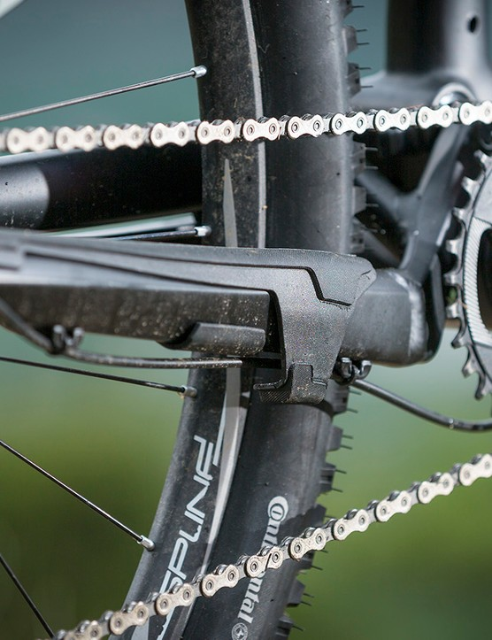 The Spine's integrated rubber chainstay guard keeps the 1x11 drivetrain silent