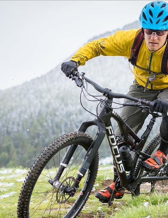 The Focus Spine is a short travel trail bike with a lot of potential