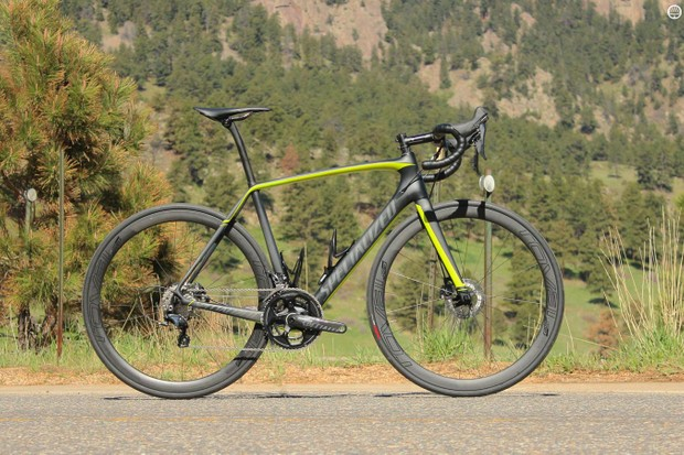 The Specialized Tarmac Pro Disc Race, although third in line behind the S-Works and Ultegra Di2 versions, still runs at US$6,500 / £4,500